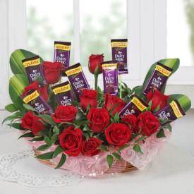 Beautiful Arrangement of Roses & Chocolate
